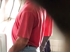 Str8 spy daddy in public toilet ll