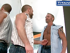 Hot Muscle Daddy Flip Fuck