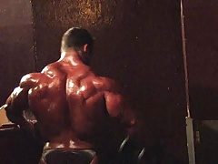 Str8 bodybuilder in backstage