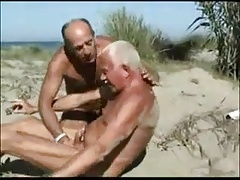Uncle to suck on the beach