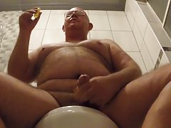 Sniffing Poppers and cumming