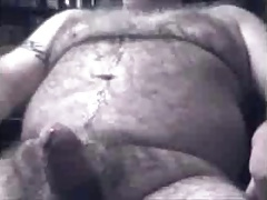 BEAR JACKOFF SUCK AND GET A HANDJOB