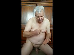 Dutch gay daddy jerking off and eat his cum