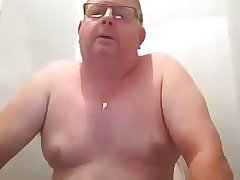 daddy chubby play and cum
