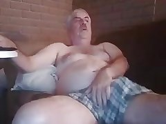 Big bear feeling horny