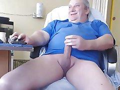 Daddy masturbate cum