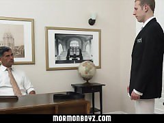 MormonBoyz- Straight stud's first time anal