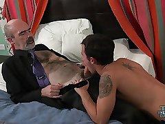 Twink boy Teaches Daddy