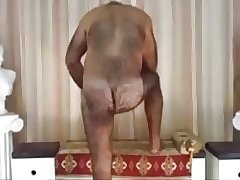 Bear daddy play and cum