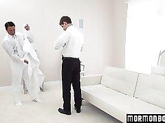 Mormonboyz - Hung muscle stud daddy breeding his boy