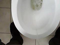 Auf der Toilette