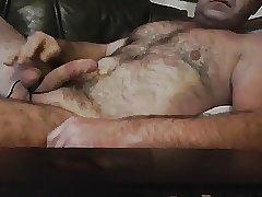 HUNK DADDY BEAR HAIRY CUM CAM