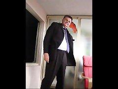 BRANLE AVEC CRAVATE MAUVE -501- 1ere part