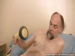 Daddy\'s Strange Jerkoff Toy