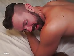 HD Barebacking - Ray Dalton gives a deep dick Daddy Breeding