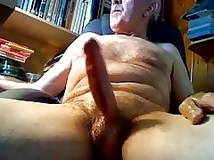Daddy with 1 big play and cum