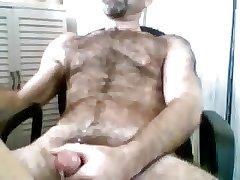 Very hairy gaydaddy bear on cam