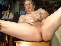Dad wanking to a wonderful ejaculation
