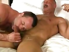 Muscle daddy fucks younger