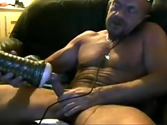 Brit muscle daddy cums in his fleshlight