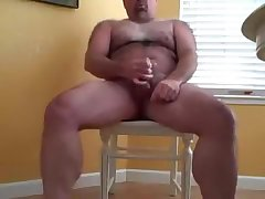Hairy Hunk solo masterbator
