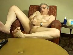 Dad jerking off in hotel room