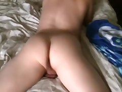 Daddy Fucks Boy While Texting On Grindr
