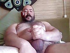 A Pipe Bear's Jizz Squirt