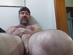 June 2017 Personal Show between his legs