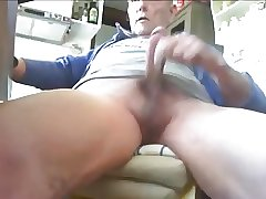Long masturbation with itallian daddy