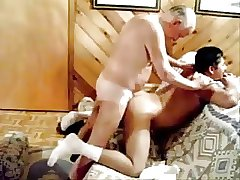 Two older gentlemen fuck !!!
