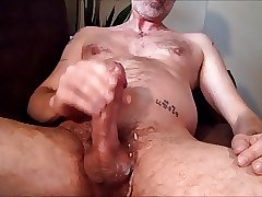 Stroking out a load