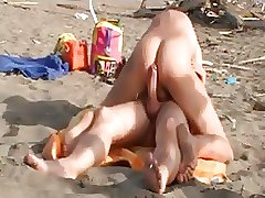 Hot Men Fuck on the Beach