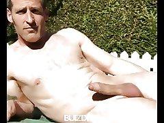 Buizdit's Naked April