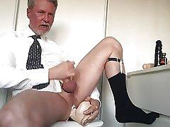 Playing for you guys, cumming w big dildo up my ass