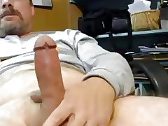 Hot married daddy strocking hard