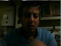 Hombre maduro muestra la verga en la webcam