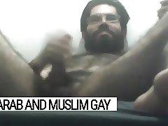 Libyan muslim bearded Arab jerking off big time - Arab Gay