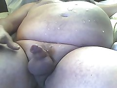 Chubby daddy cumming far
