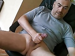 Gorgeus daddy having a nice cum