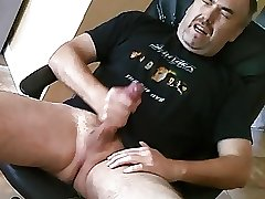 Gorgues daddy shooting a nice cum