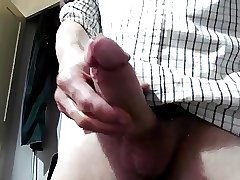 Same British dadd blows his load