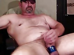 Mature man wanking good again