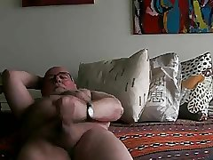 hairy daddy cumming