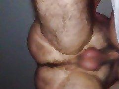 Passivo gato dando cu ao maduro do pau pequeno