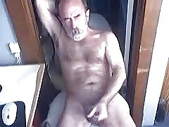 Hairy daddy bear jerking off