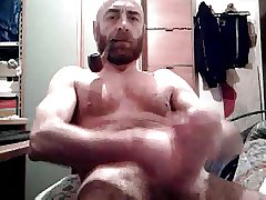 Big dick daddy bear cumming again