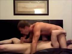 Young hunks have a cocksucking sixtynine