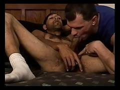 reality porn (Enrique visits Vinnie Russo)