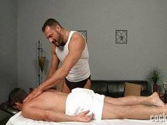 Daddy masseur is so persuasive